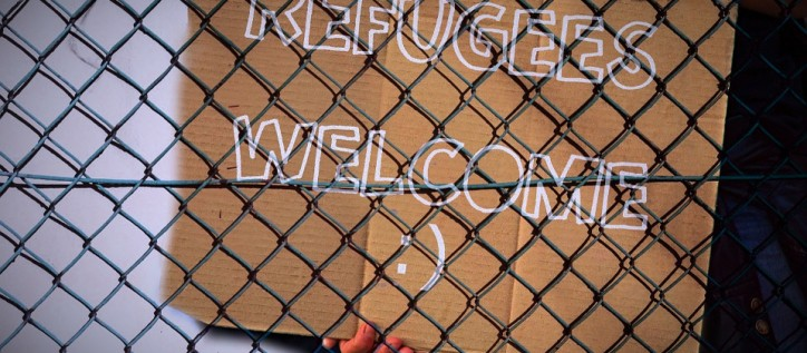 refugees welcome sign, immigration canada