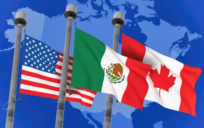 Canadian Immigration lawyer assisting client with NAFTA US CANADA MEXICO