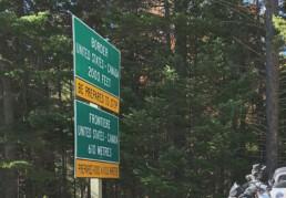Canada-U.S border signage